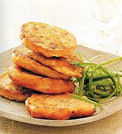 Приготовить пирожное картошка из бисквита